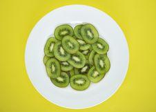 Free Slice Kiwi Fruit On Salad Plate Stock Photos - 131201153