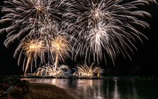 Free Timelapse Photography Of Fireworks At Night Royalty Free Stock Photography - 131201207