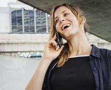 Free Woman Having Call Conversation On Smartphone Royalty Free Stock Photo - 131201225
