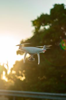 Free Close-Up Photo Of White Drone Royalty Free Stock Images - 131266379