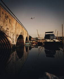 Free Boat On A Dock Stock Photos - 131330103