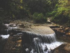 Free Waterfall And Rocks Royalty Free Stock Photos - 131330198