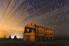 Free Time-lapse Photography Of Grey And Brown Abandoned Building Stock Photography - 131518812