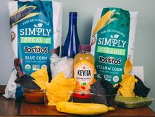 Free Tortilla Chips On Table Stock Photography - 131518892