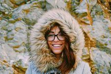Free Woman Wearing Eyeglasses While Smiling Near Rock Formation Royalty Free Stock Photos - 131518998