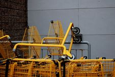 Free Yellow Steel Shopping Carts Stock Photo - 131613170