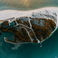Free Bird S Eye View Photography Of Island Royalty Free Stock Photos - 131613618