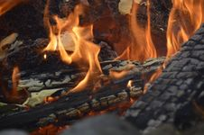 Free Campfire, Heat, Flame, Fire Stock Photo - 131670840