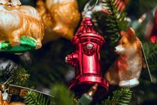 Free Red Fire Hydrant Christmas Decor Stock Photo - 131719580