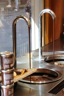 Free Sink, Tap, Countertop, Flooring Stock Photos - 131753843