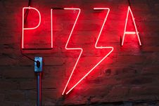 Free Pizza Neon Light Signage Stock Images - 131889094