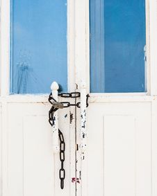 Free Photo Of Locked White Door Royalty Free Stock Photo - 131889115