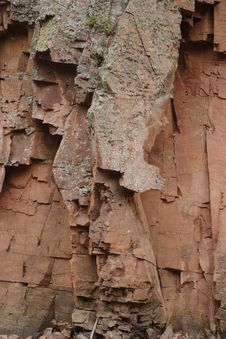 Free Split Rock Royalty Free Stock Image - 1322186