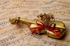 Free Object - Violin Instrument Royalty Free Stock Image - 1326196