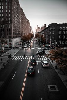 Free Cars On The Road Royalty Free Stock Photography - 132219037