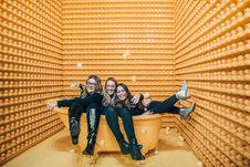 Free Women Sitting Inside Bathtub Stock Photo - 132219340