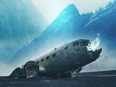 Free Submarine, Shipwreck, Glacial Landform, Mountain Royalty Free Stock Images - 132274969