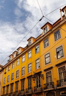 Free Yellow Building Stock Images - 132293014