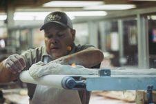 Free Man Kneading White Dough Royalty Free Stock Photography - 132385997