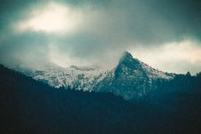 Free Photo Of Mountain Under Cloudy Sky Royalty Free Stock Photography - 132568387