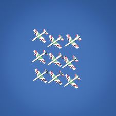 Free Green-and-white Show Planes On Sky Royalty Free Stock Images - 132761009