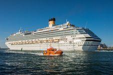 Free Cruise Ship, Passenger Ship, Ocean Liner, Ship Royalty Free Stock Photos - 132861118