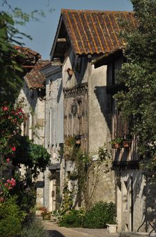 Free Medieval Architecture, Building, House, Tree Royalty Free Stock Photos - 132861258
