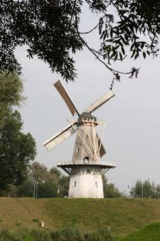 Free Windmill Stock Photography - 1330712