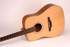 Free Acoustic Guitar Stock Photography - 1331192