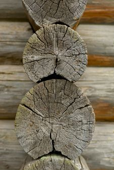 Free Old Logs Royalty Free Stock Images - 1334409