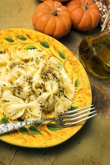 Free Bow-tie Pasta With Pesto Stock Photo - 1338510