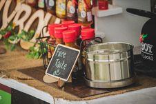 Free Free Taste Signage Royalty Free Stock Photo - 133049565