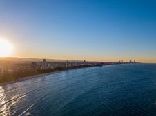 Free Aerial Photo Of City Beside Body Of Water Stock Images - 133489334
