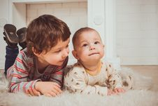 Free Toddler And A Baby Stock Images - 133489624