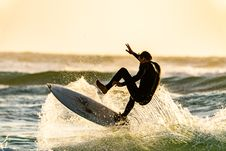 Free Man About To Wipeout Of His Surfboard Royalty Free Stock Image - 133489886