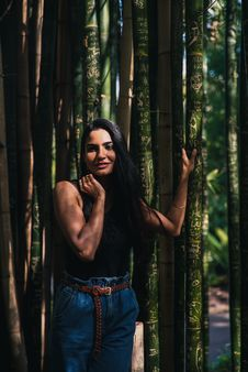 Free Woman Standing Beside Bamboo Trees Royalty Free Stock Photography - 133729347