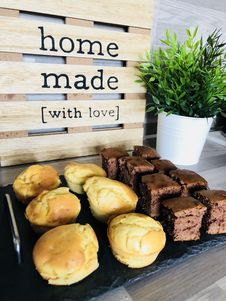 Free Assorted Brownies And Muffins Stock Image - 133729361