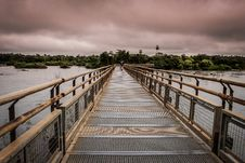 Free Close-up Photography Of Bridge Above Water Royalty Free Stock Photography - 133729657