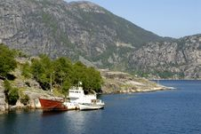 Free Boat In Fjord Royalty Free Stock Photography - 1340807
