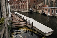 Free Autumn In The Canal Royalty Free Stock Images - 1345029