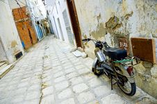 Motorcycle At Arabian Street In Medina Royalty Free Stock Photos