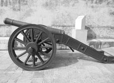 Free Cannon, Weapon, Black And White, Mode Of Transport Royalty Free Stock Photos - 134104158