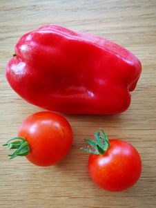 Free Natural Foods, Vegetable, Plum Tomato, Potato And Tomato Genus Stock Photo - 134104190