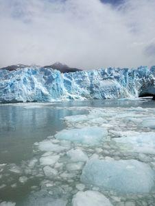 Free Glacial Lake, Glacier, Arctic Ocean, Glacial Landform Stock Photo - 134213560