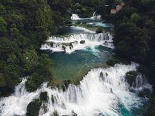 Free Waterfalls Beside Green Trees Royalty Free Stock Image - 134249776