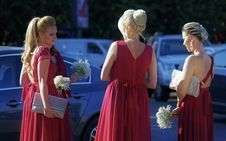Free Three Women Facing Each Other Royalty Free Stock Photos - 134421198