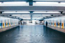 Free Man Walking On Subway Lobby Royalty Free Stock Photos - 134421588