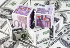 Free Cubes Of Money Royalty Free Stock Photos - 13466748