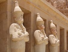 Free Ancient Statues At Hatschepsut Temple Royalty Free Stock Photography - 13480847