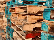 Free Wooden Pallets Stock Images - 134821784